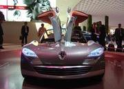 top speed at paris motor show-102032