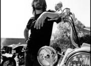 motorcycles and drums in harley-davidson 8217 s everything sonic commercial starring dave grohl-314984