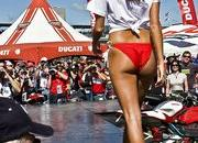 gp girls show off at ducati fashion show-333766