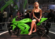 -kawasaki ninja and the girls