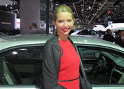 car girls of the 2012 paris auto show-475590