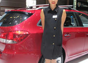 car girls of the 2012 paris auto show-475647