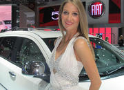 car girls of the 2012 paris auto show-475502