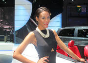 car girls of the 2012 paris auto show-475508