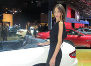 car girls of the 2012 paris auto show-475523