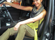 car girls of the 2012 paris auto show-475529