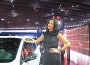 car girls of the 2012 paris auto show-475552